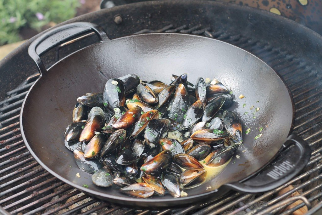 BBQ Mussels Cooking in a Wok