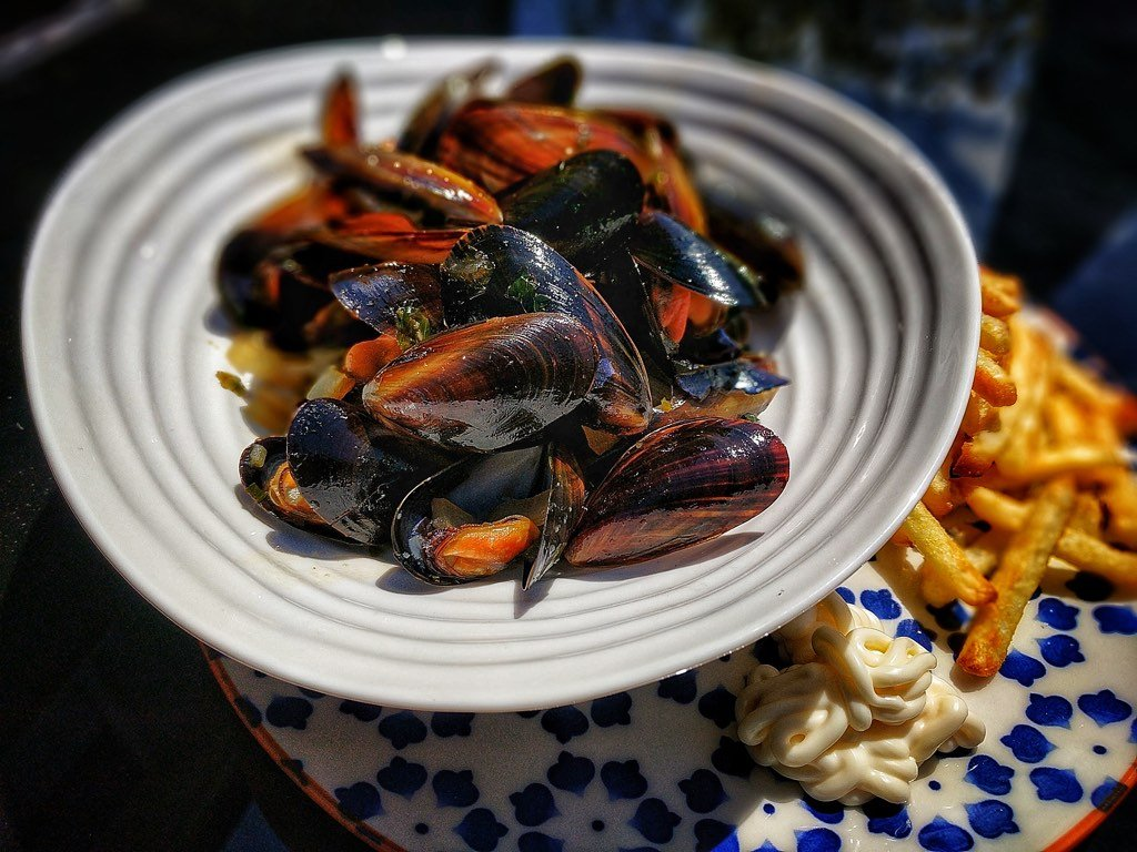 BBQ Mussels with Frites